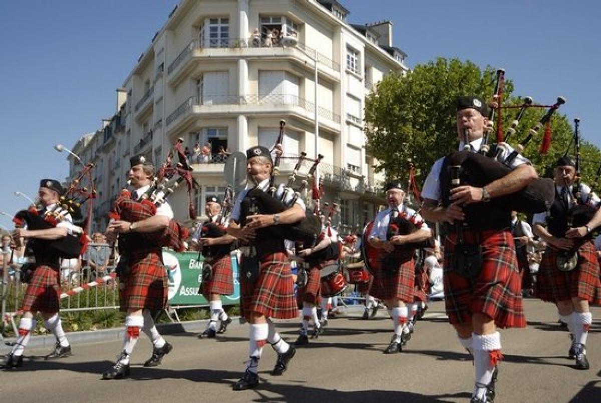 ¿Quieres descubrir el grupo Festival Intercéltico de 2013?