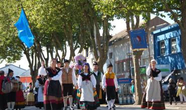 La representación asturiana brilló na Grande Parade de Lorient col valir que cada añu amuesa'l nuesu folklor nel Festival